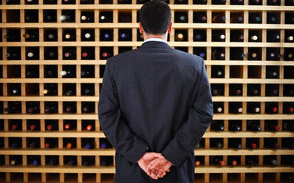 Resultado de imagen de estanteria vinos